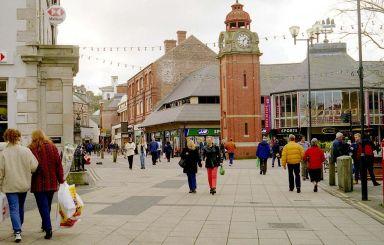 BRAD Bangor_High_Street_&_Clock