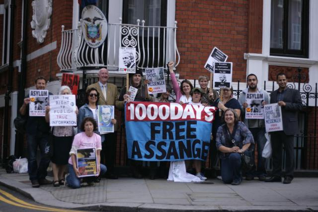 assange 1000 days group