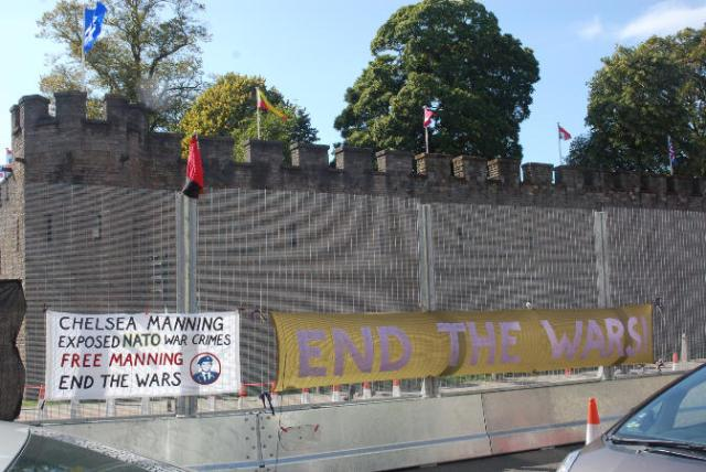 02 manning banner at cardiff castle sm