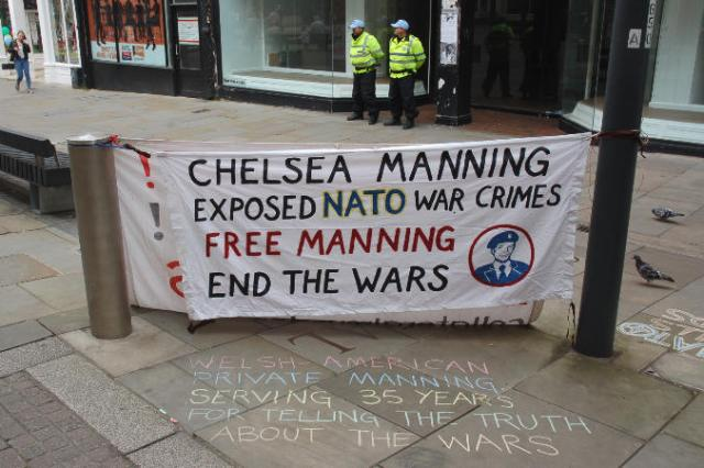37 manning banner and chalking sm