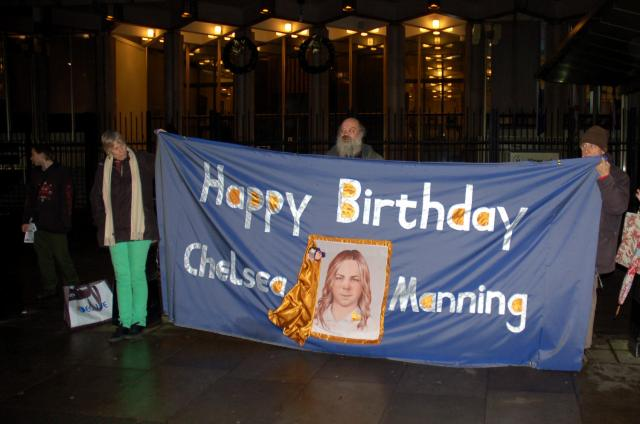DSC_3966 happy birthday banner