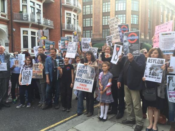 Assange Embassy 3years2long